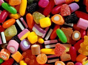 شکر و شیرینی زیادی مصرف می کنید
